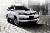 Toyota_presenta_el_Fortuner_2012-32